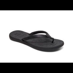 Roxy Shoes - Roxy sz 9 NWT Deeliah Flip Flop Black